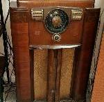 1922: Radio advertising commences